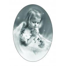 Ритуальный овал Ч/Б с изображением девочки, 13х18см